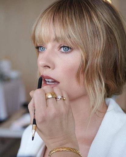 Margot Robbie Oscars 2021 best beauty looks