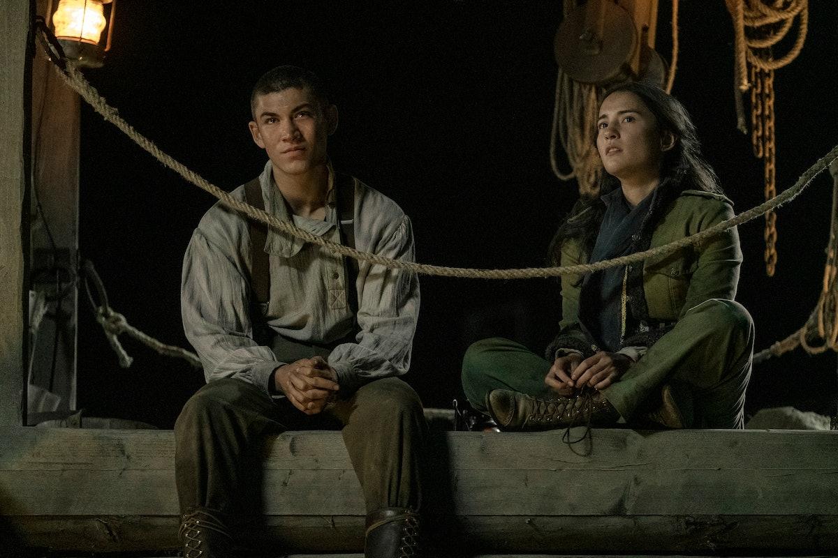 ARCHIE RENAUX as MALYEN ORETSEV and JESSIE MEI LI as ALINA STARKOV in SHADOW AND BONE