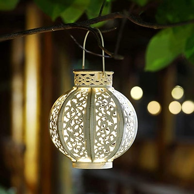 Maggift Hanging Solar Lanterns (2-Pack)