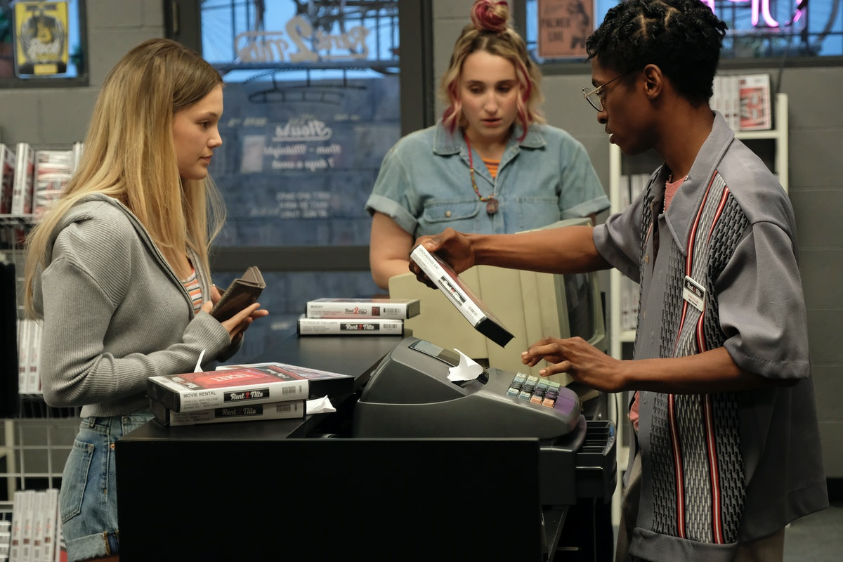 OLIVIA HOLT as Kate HARLEY QUINN SMITH as Mallory and ALLIUS BARNES as Vince in Freeform's 'Cruel Summer'