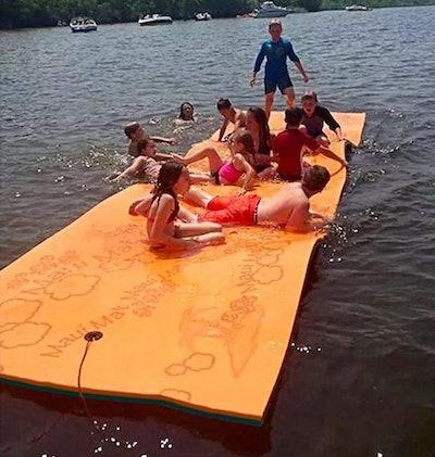 Maui Mat Floating Foam Pad