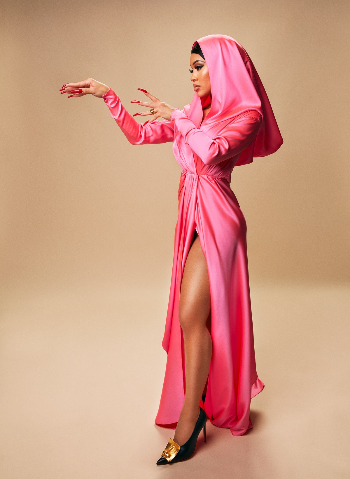 Saweetie in pink Schiaparelli dress.
