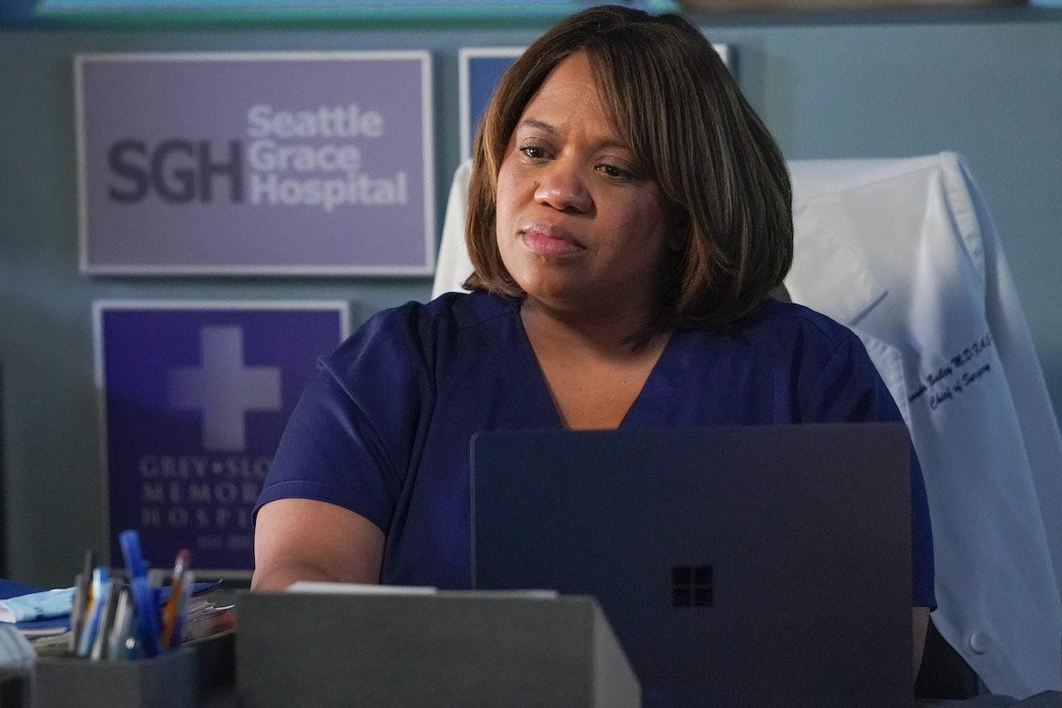 Chandra Wilson as Miranda Bailey in Grey's Anatomy Season 17.