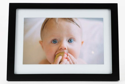 Skylight 10-Inch Digital Picture Frame