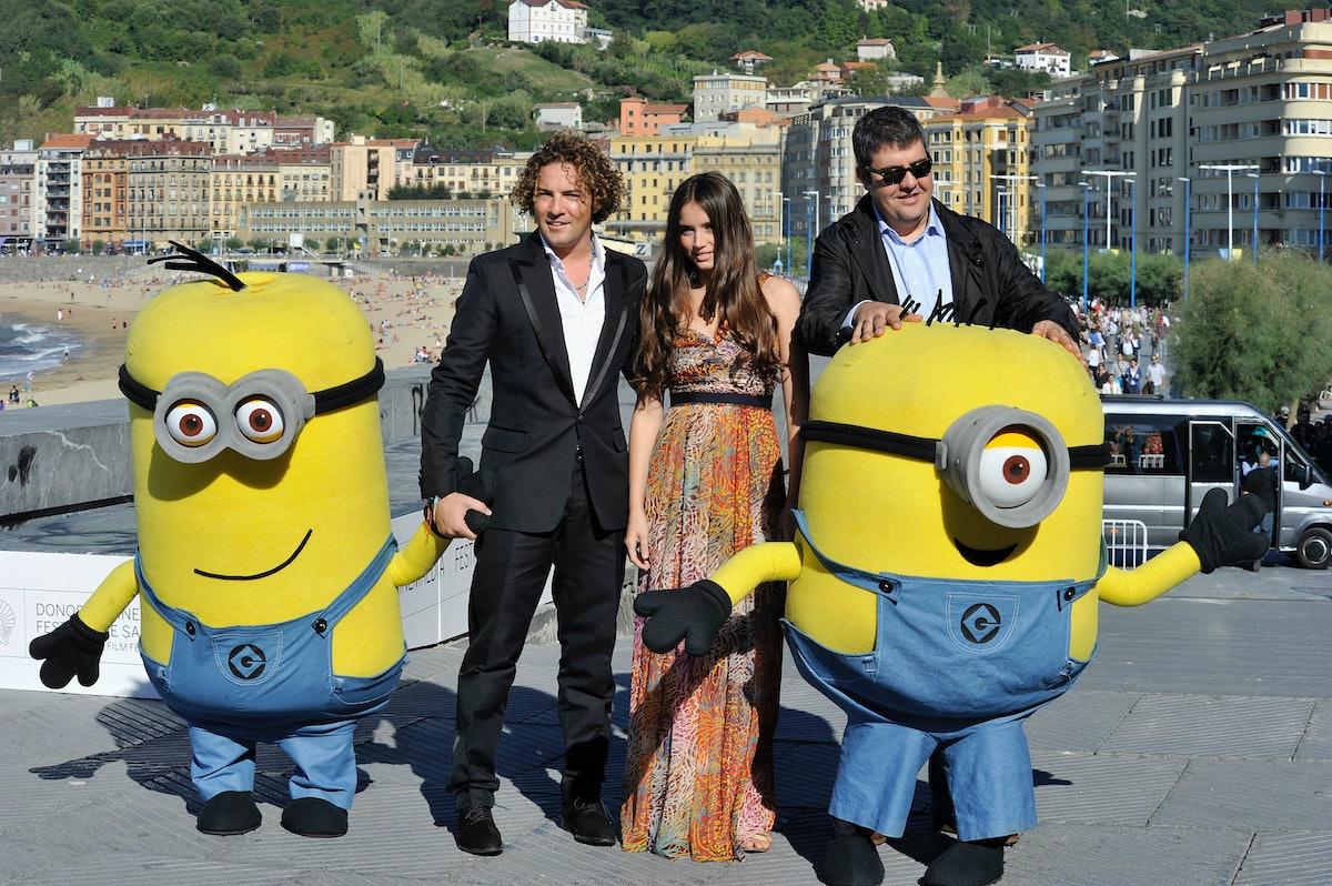 """خواننده اسپانیایی دابید بیسبال (L) ، بازیگر زن Ana de Armas (C) و فلورنتینو فرناندز (R) در این مراسم شرکت کردند """"جرثقیل ، ..."""