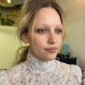 Victoria Pedretti witth bleach blonde brows