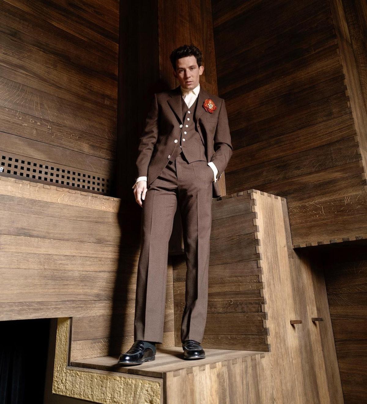 Josh O'Connor brown suit SAG Awards