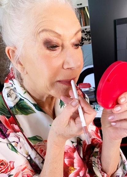 Helen Mirren doing makeup for the 2021 SAG Awards.