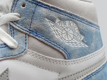 """Nike """"Hyper Royal"""" Air Jordan 1"""