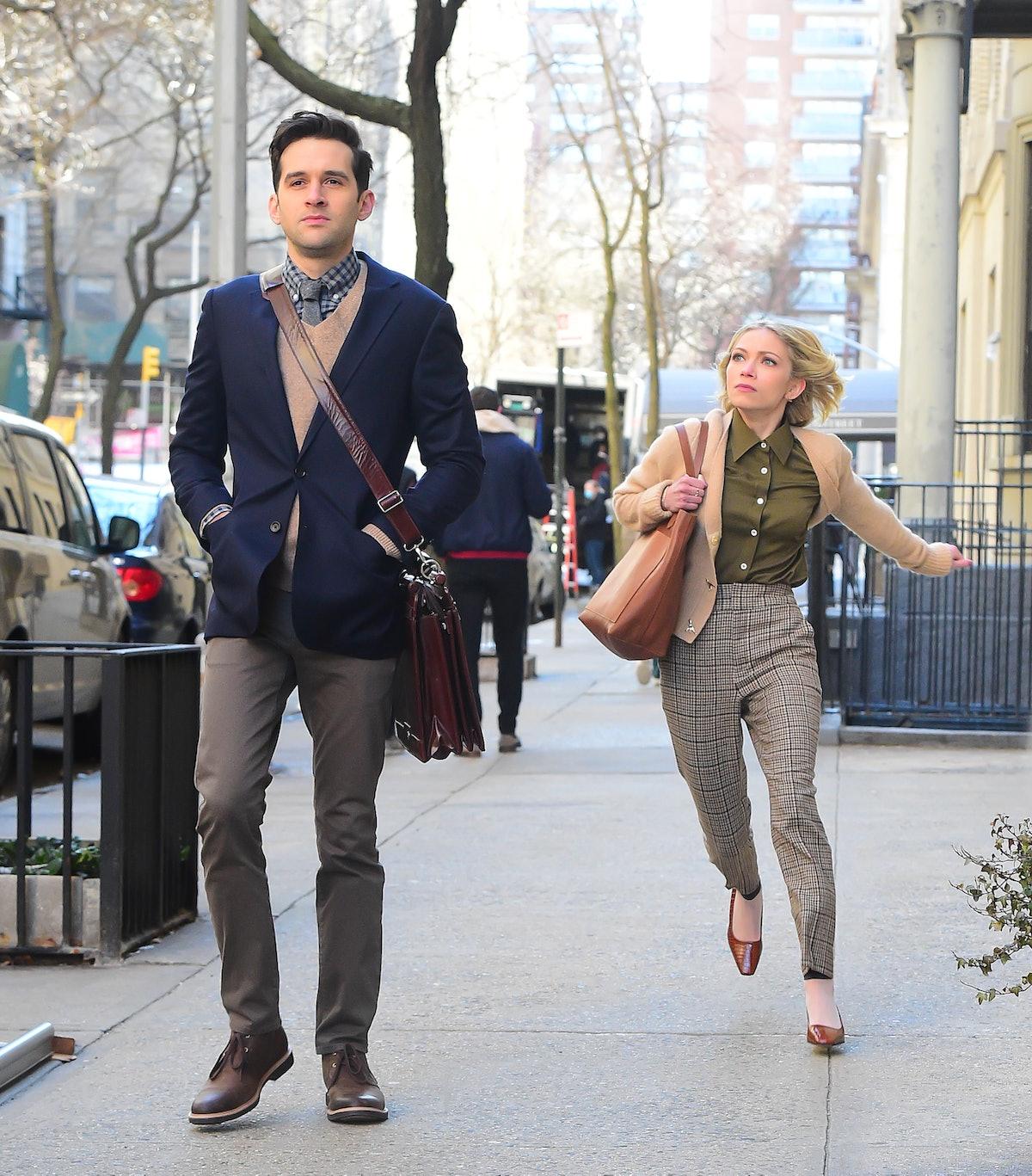 Tavi Gevinson chasing a man on the Gossip Girl set