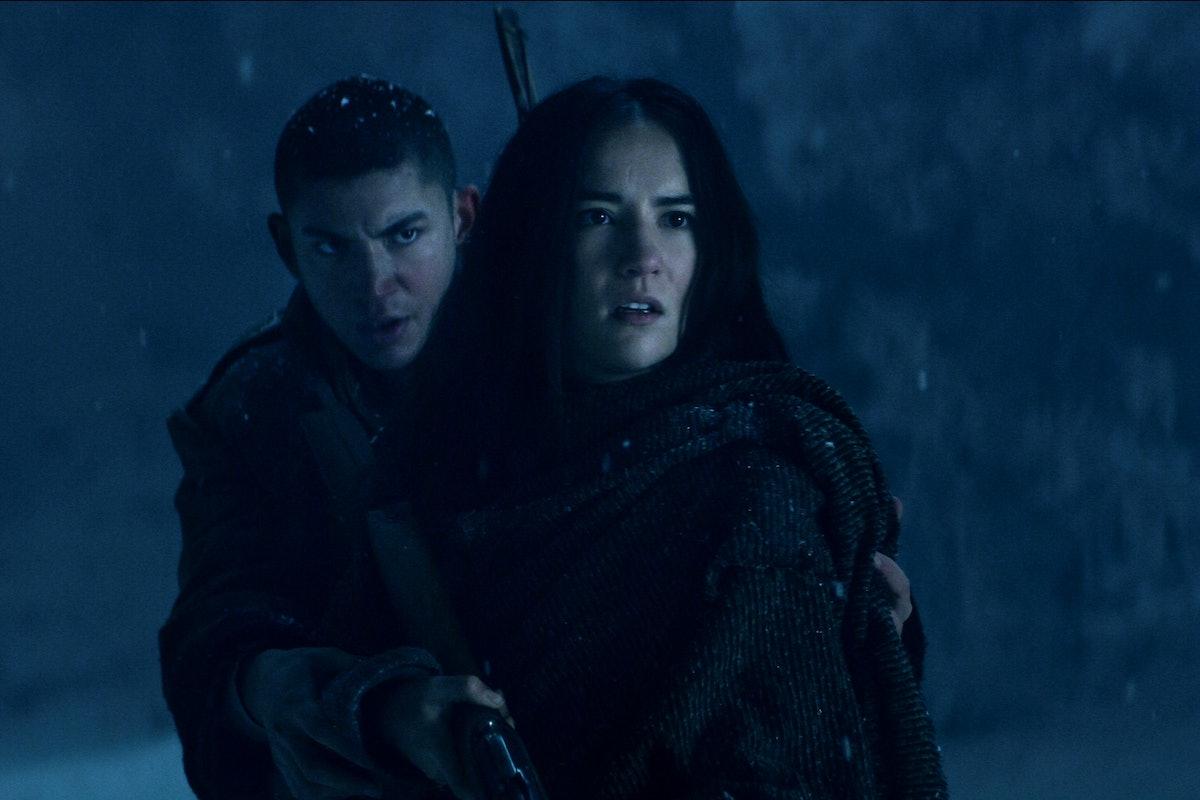 ARCHIE RENAUX as MALYEN ORETSEV and JESSIE MEI LI as ALINA STARKOV of SHADOW AND BONE
