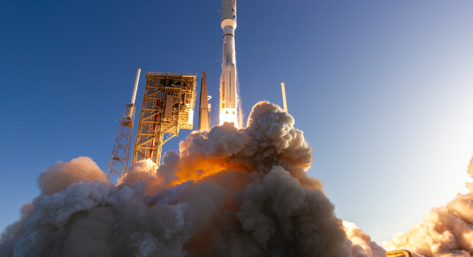 A United Launch Alliance (ULA) Atlas V rocket carrying the Mars 2020 mission with the Perseverance rover lifts off from Space Launch Complex-41 at 7:50 a.m. EDT on July 30, 2020.