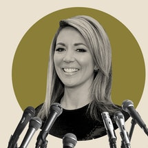 CNN's Brooke Baldwin talks with Bustle about how to send a cold email and her new book, 'Huddle.'