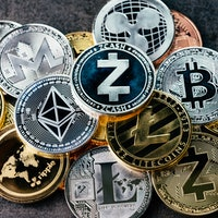 Altcoins: 3 competitors of Bitcoin and Ether you need to pay attention to