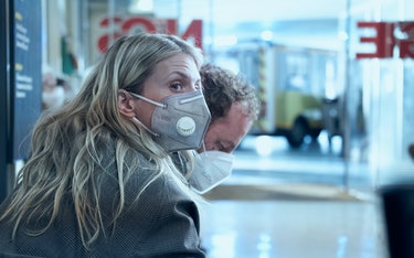 Oxygen review netflix pandemic movie sci-fi french thriller