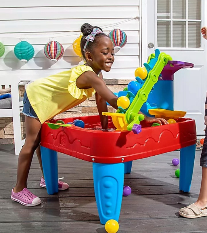 Water tables are the best for toddlers and little kids.