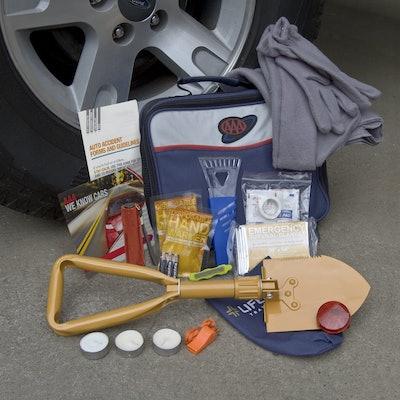 Lifeline AAA Severe Weather Emergency Road Kit