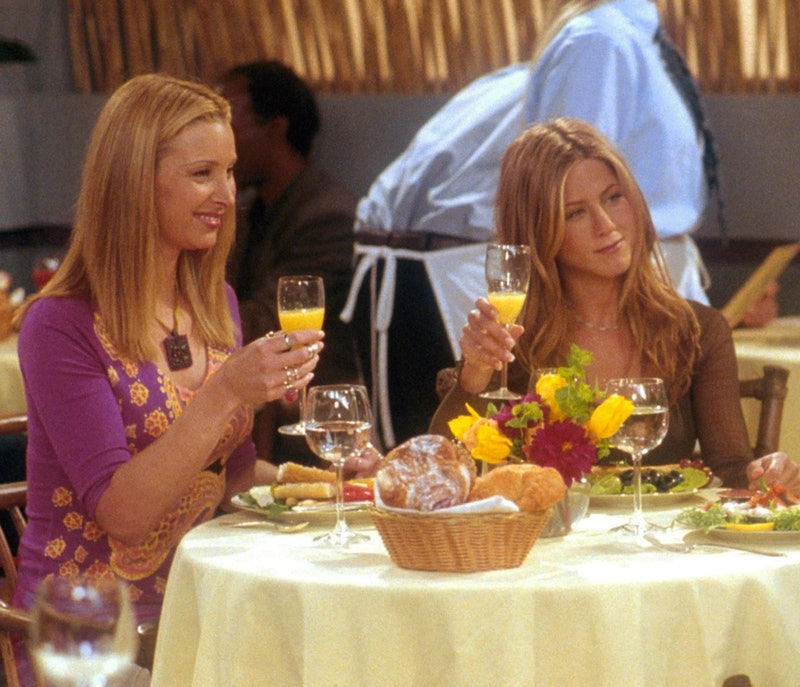 Lisa Kudrow and Jennifer Aniston in Friends