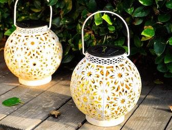 Walensee Solar Hanging Garden Lantern (2-Pack)