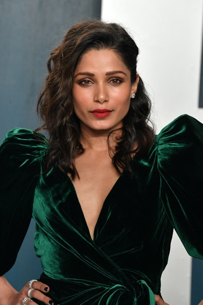 Freida Pinto attends the 2020 Vanity Fair Oscar party hosted by Radhika Jones at Wallis Annenberg Center for the Performing Arts on February 09, 2020 in Beverly Hills, California.