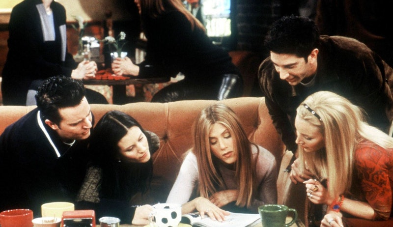 Matthew Perry, Courteney Cox Arquette, Jennifer Aniston, David Schwimmer and Lisa Kudrow in 'Friends'.