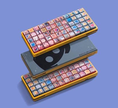 A mechanical keyboard modded by TaeKeyboards. YouTube. YouTuber. Discord. Social Media.
