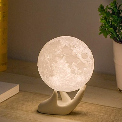 Mydethun Hand Moon Lamp