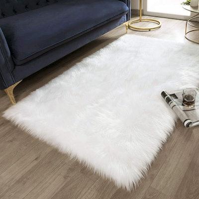 Ashler Ultra Soft Faux Rectangle Fur Rug (3 x 5 Feet)