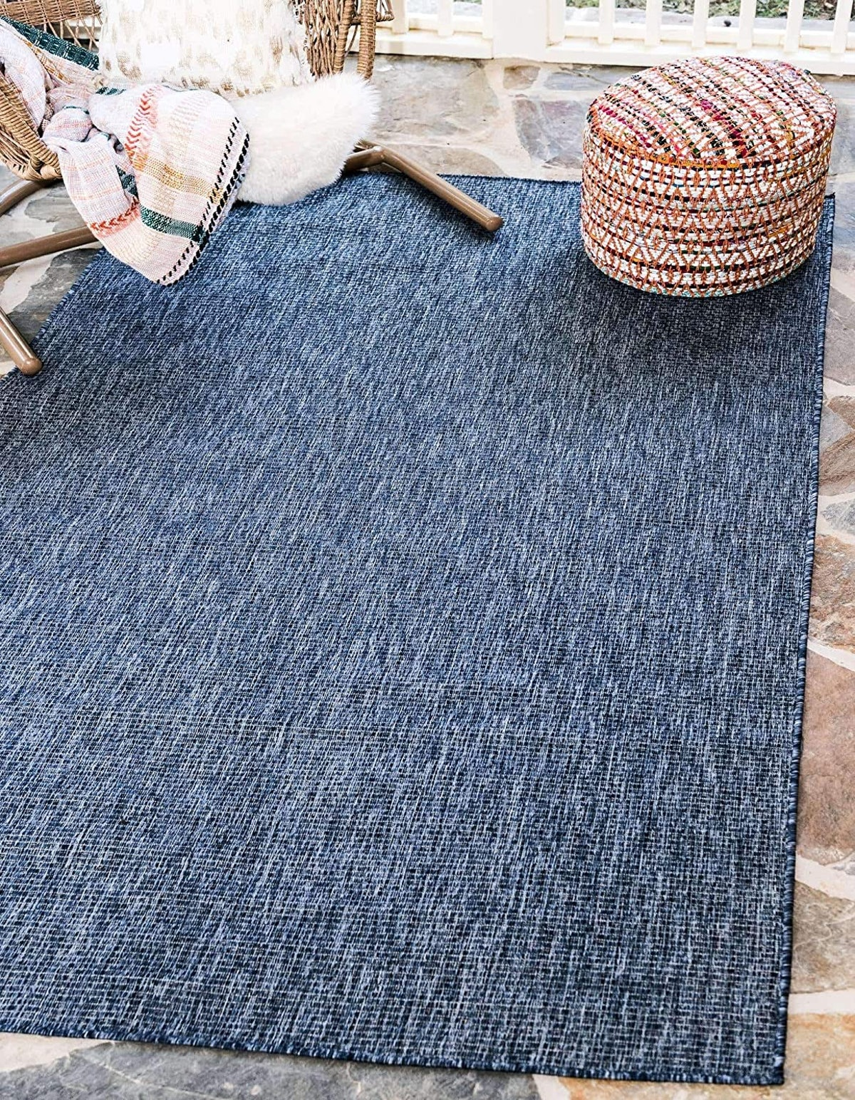 Unique Loom Solid Collection Indoor and Outdoor Rug