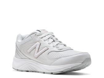 840 V2 Walking Shoe