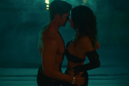 MIKE VOGEL as COOPER CONNELLY and SARAH SHAHI as BILLIE CONNELLY in SEX/LIFE via the Netflix press s...