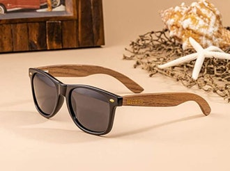 WOODIES Walnut Wood Polarized Sunglasses