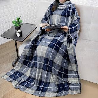 PAVILIA Premium Fleece Blanket with Sleeves