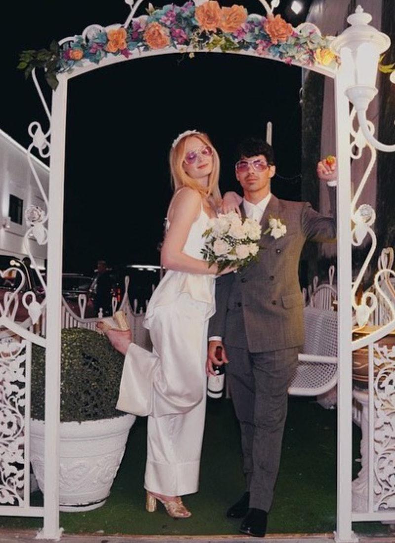 Sophie Turner marries Joe Jonas in Las Vegas.