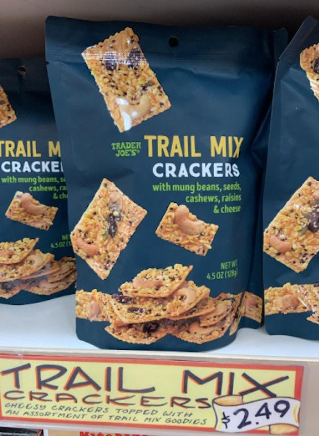 trail mix cracker