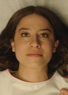 Ilana Glazer on a hospital bed