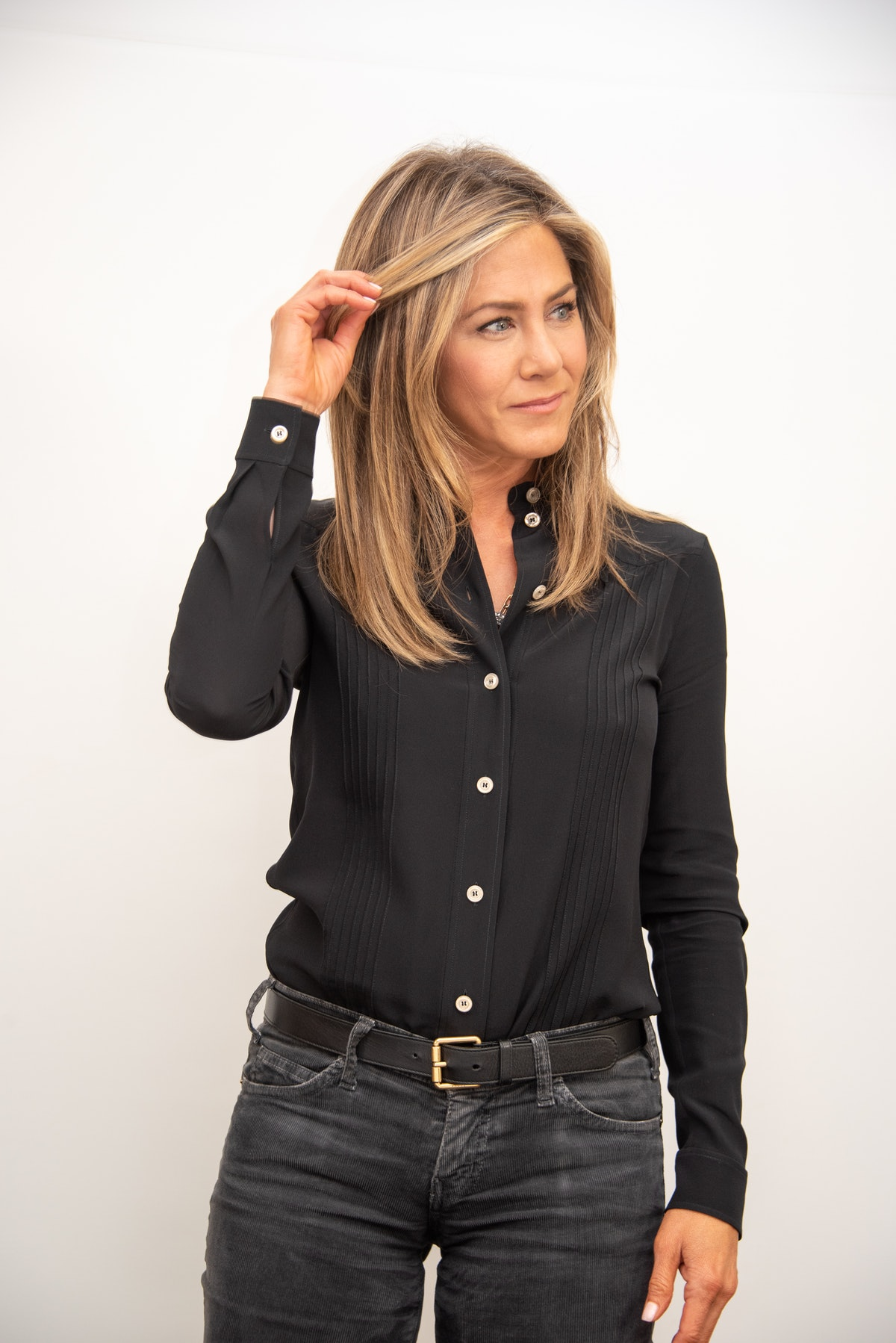 """Jennifer Aniston at the """"Dumplin'"""" Press Conference at the Four Seasons Hotel on October 22, 2018 in..."""