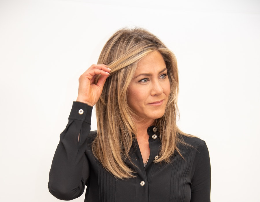 """Jennifer Aniston at the """"Dumplin'"""" Press Conference at the Four Seasons Hotel on October 22, 2018 in Beverly Hills, California."""