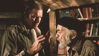 Charlton Heston and Edward G. Robinson in Soylent Green