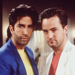 """David Schwimmer and Matthew Perry in the """"Friends"""" episode titled """"The One with the Thanksgiving Flashbacks"""" from 1998."""