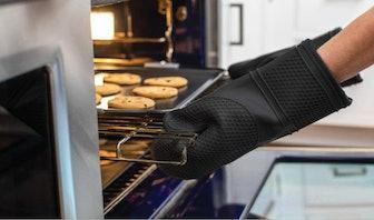 Gorilla Grip Premium Silicone Slip Resistant Oven Mitt Set (2-Pack)