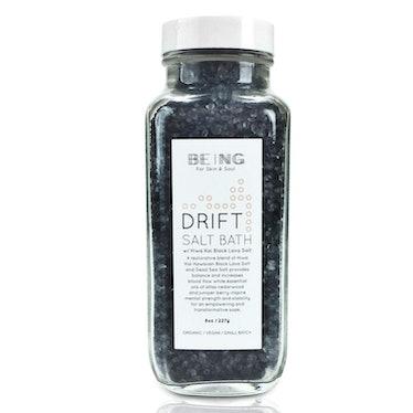 LIVE BY BEING Drift Black Lava Salt & Dead Sea Salt Bath Soak