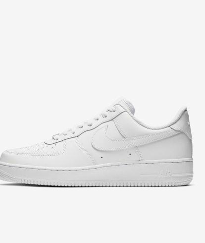 Nike Air Force 1 '07 All-White.