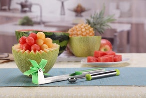 Yueshico Stainless Steel Watermelon Slicer Cutter
