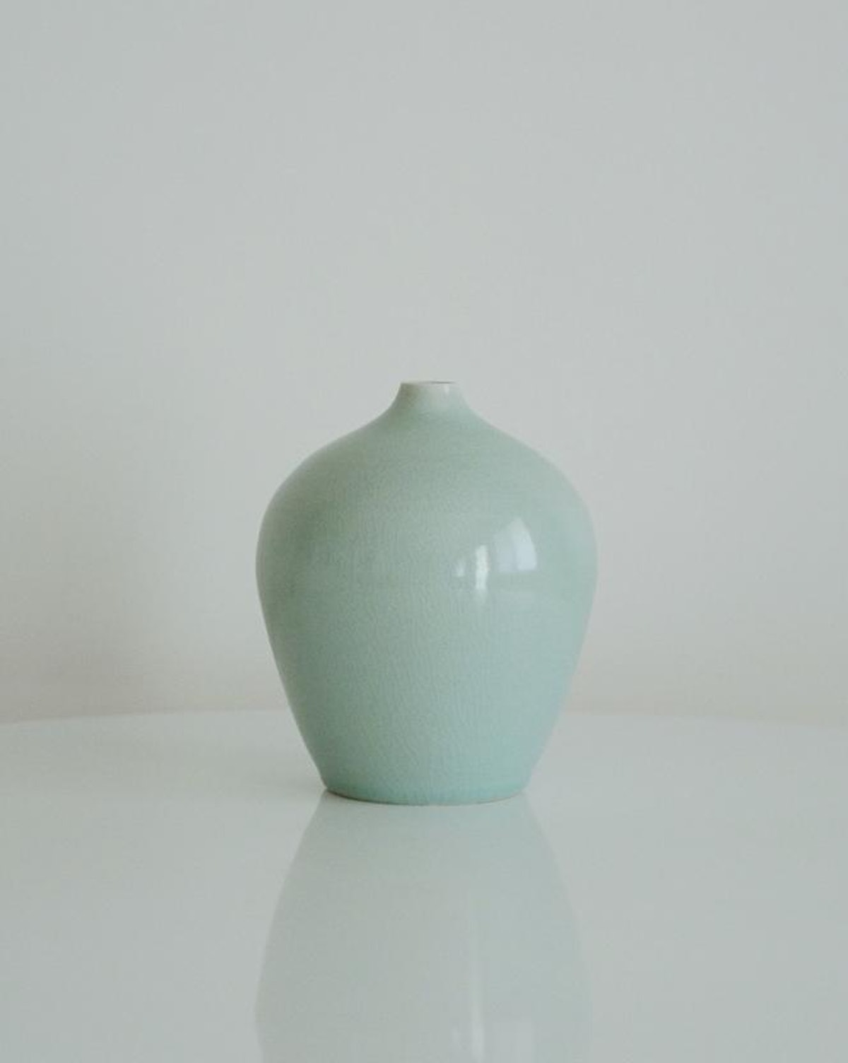 Light-Chungja(연청자) Vase