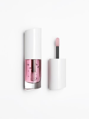 A new lip oil from the Zara Beauty collection.
