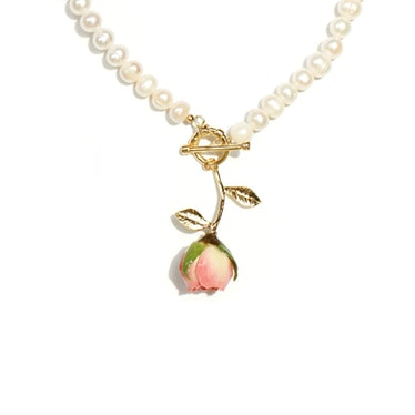 Bella Rosa Rosebud and Freshwater Pearl Choker Necklace