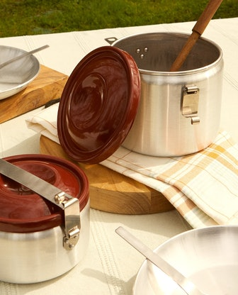 Aluminum Pot With Lacquered Lid