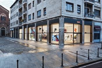 Supreme Milan Store