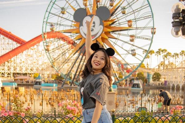 Keshia Sih-Tseng at Disneyland, Best Disney Instagram Accounts